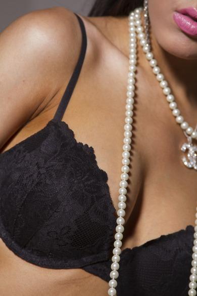 girl_woman_breast